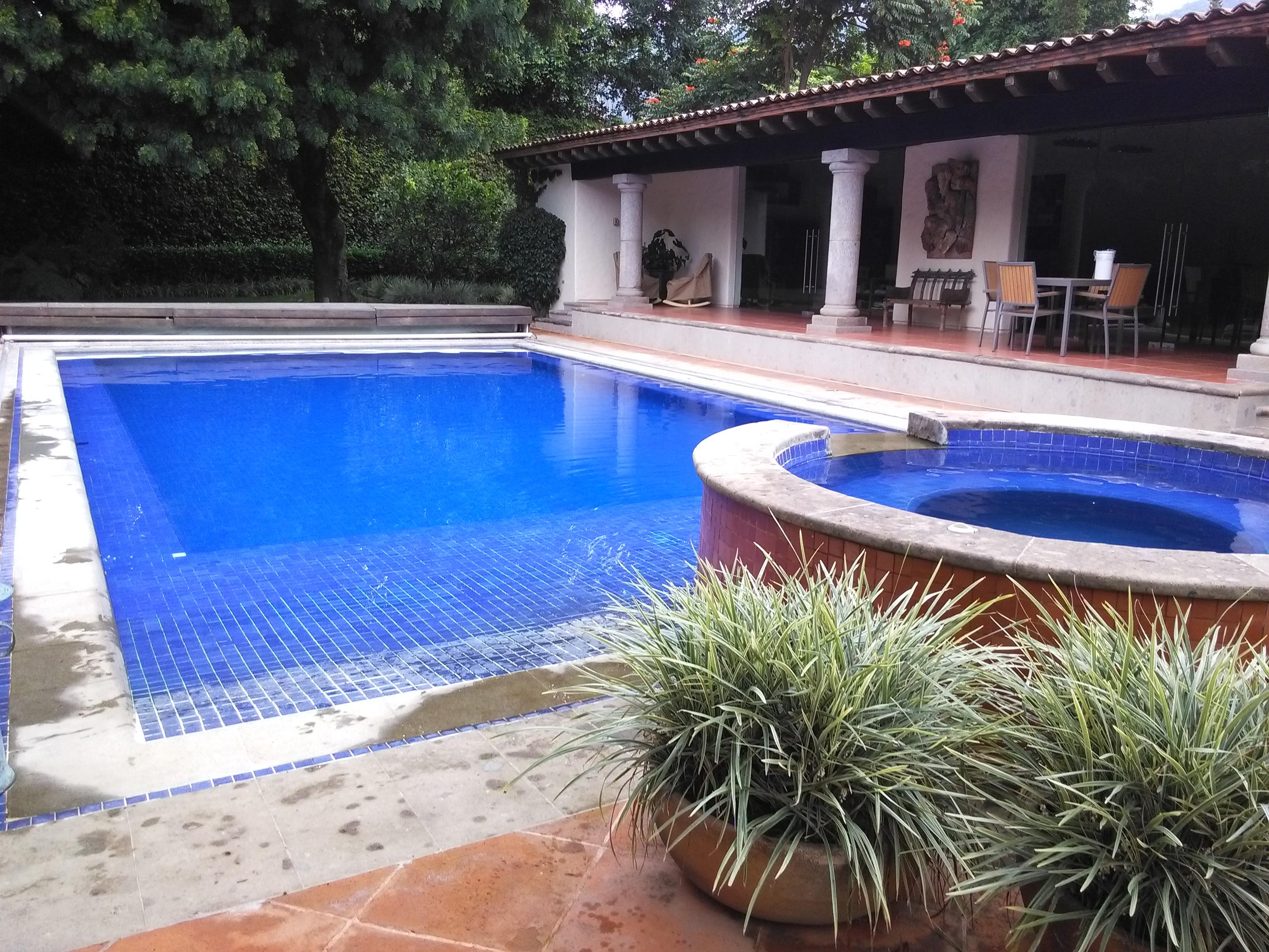 Mantenimiento para albercas y piscinas limpieza de for Construccion de albercas en mexico